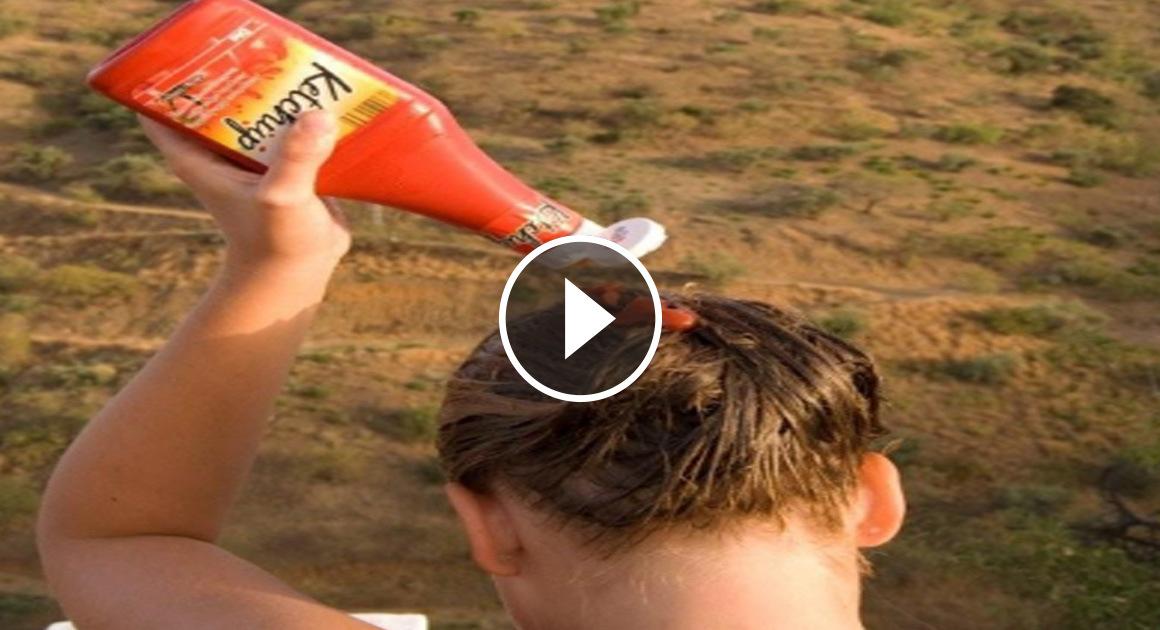 Ketchup auf dem Kopf